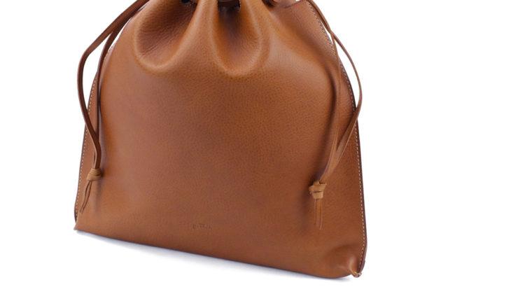 こだわりレザーの「メンズ巾着バッグ」